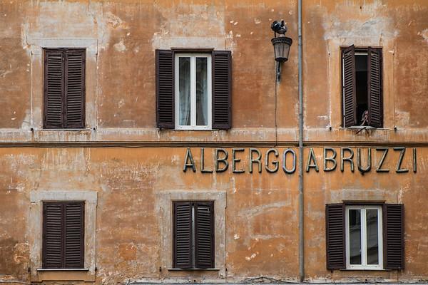 Albergoabruzzi, Rome