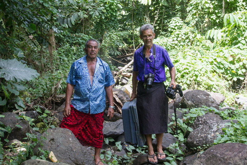 Laufale Fa'anu & Steven Percival at dry stream.