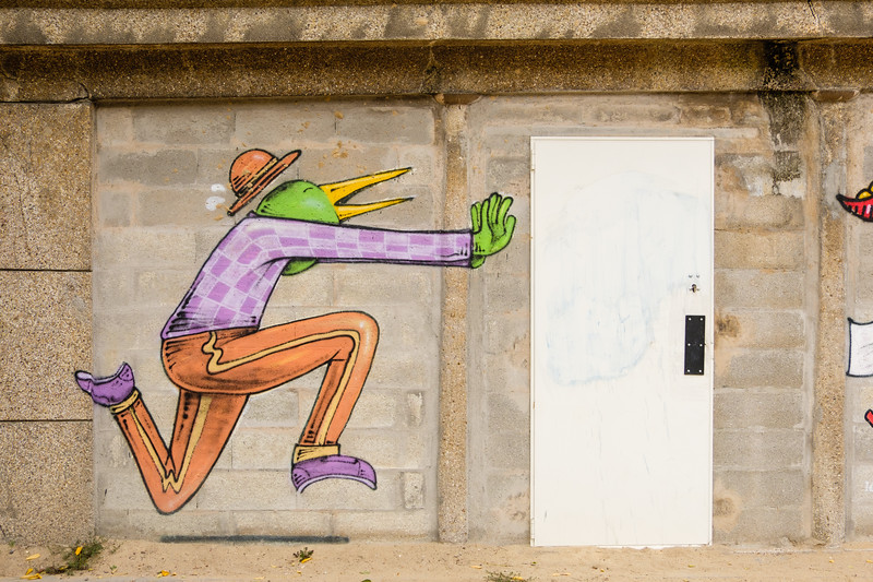 Rushing to the door - street art by Jo Ber, Square René Le Gall, Paris (13th)