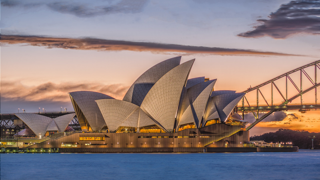 2013 Pic(k) of the week 32: The sun is setting over the Sydney Opera House