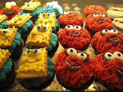 happy & sad spongebobsquarepants pretending he's not delicious