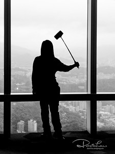 Window cleaner or taking selfie - Taipei 101 observation deck