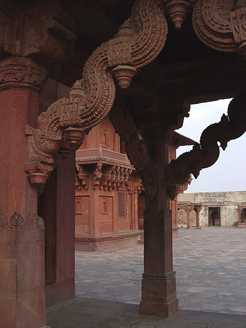 stone carving at Fatipur Sikri, India
