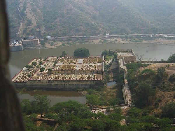 Amber Palace lake gardens, Jaipur