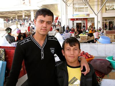 vegetable sellers in Samarkand