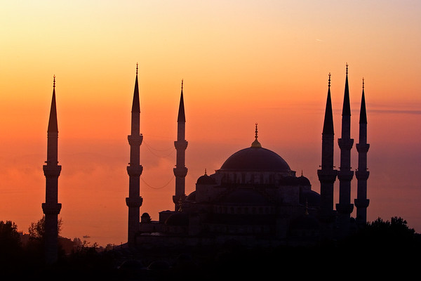Taking images of sunrise over Mosques; Blue Mosque