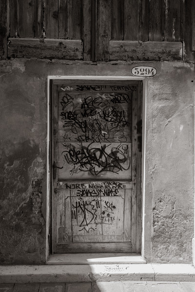 Grafitti door
