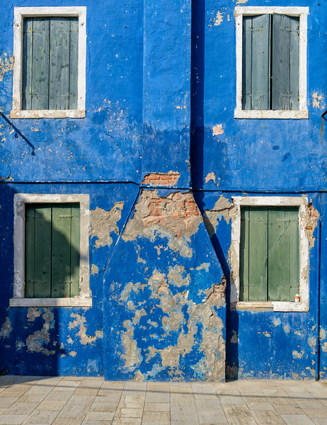 Needs paint, Burano