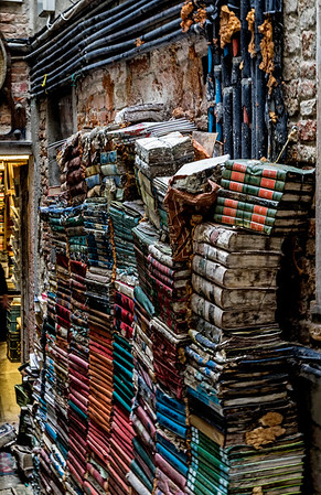ITALY;  The Book Store