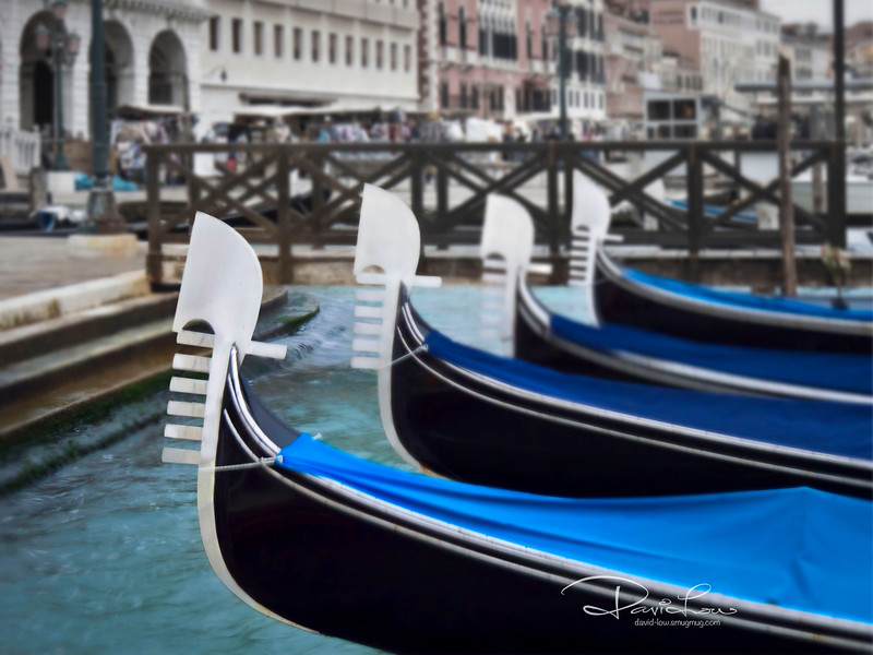 Trying 101 ways to photograph the gondolas