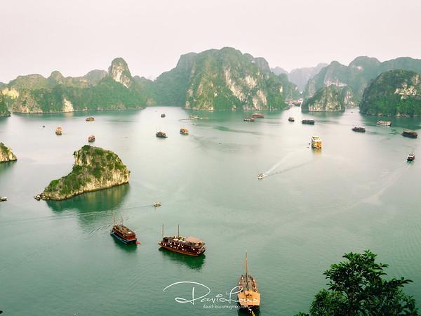 Ha Long Bay3 - Viewed from Ti Top Islan