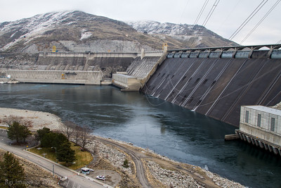 The Grand Coulee Dam.