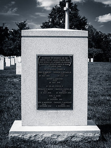 Arlington Cemetery, VA: Tomb in honor of members of the US Armed Forces who died during an atempt to rescue American hostages held in Iran 25 April 1980