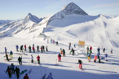 Skiing on Hintertuxer Gletscher