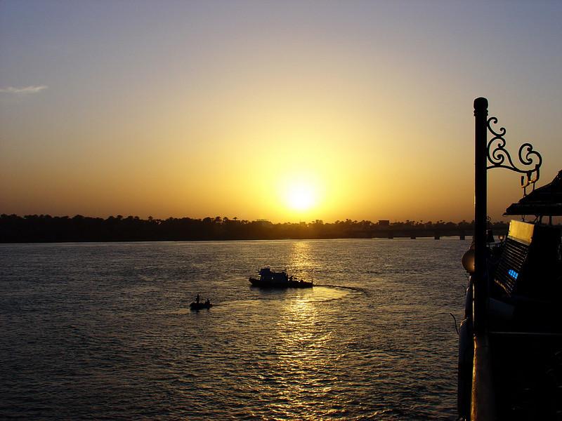 Sunset, Dendara