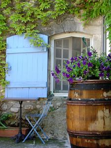 Le Baux, Blue Window