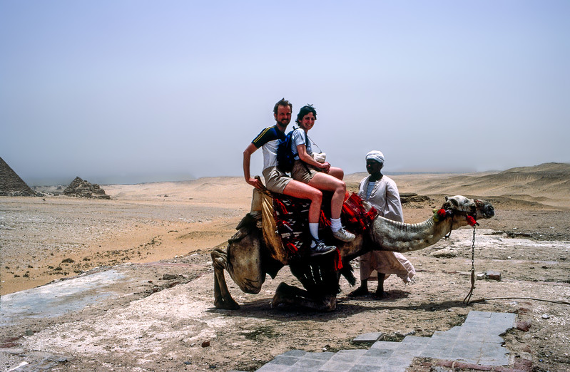 Barry & Mercedes with guide mounting a camel