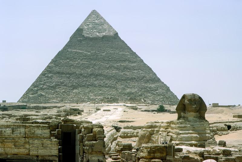 Sphinx & Great Pyramid of Khufu - Giza (2560 BCE)