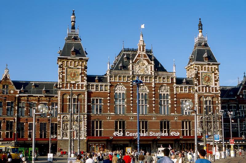 Amsterdam - Centraal Train Station (1889)