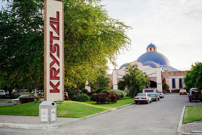 Krystal Puerto Vallerta - 1995