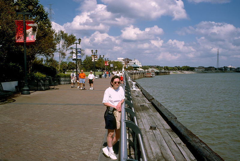 New Orleans - Mercedes along the Riverwalk - 1997