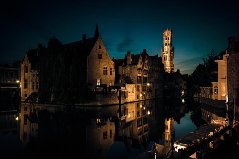 Dijver by night
