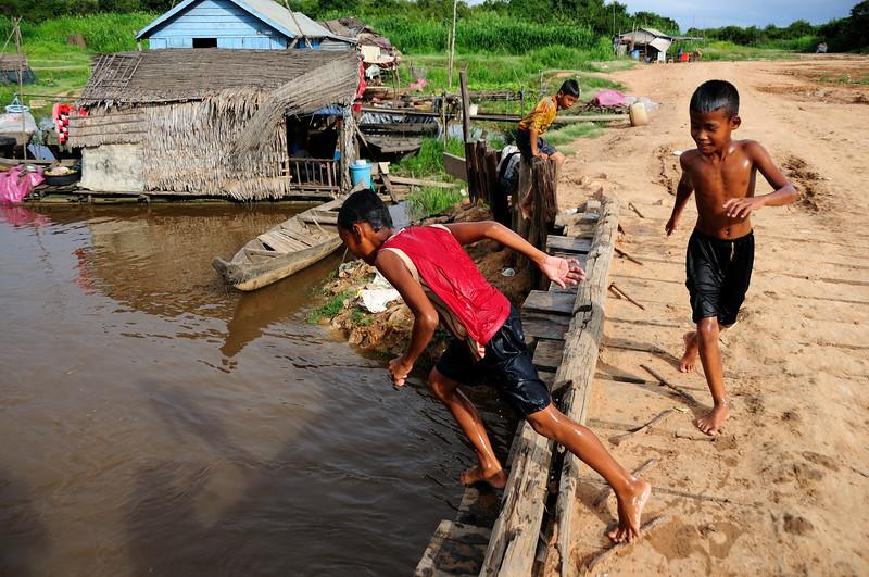 Tonlé Sap Divers