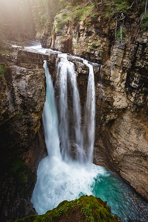 🇨🇦 Johnston Canyon Upper Falls | Banff