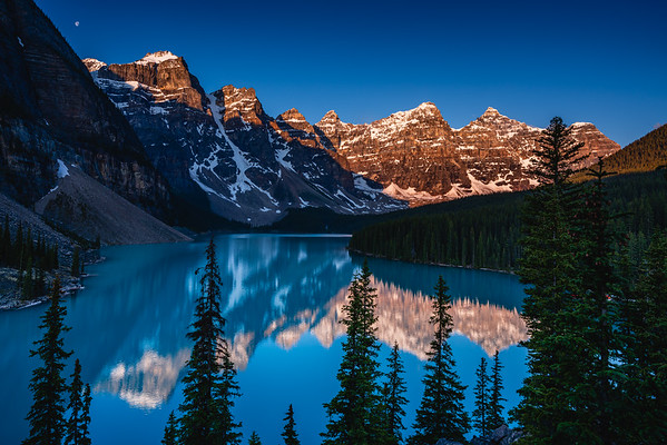🇨🇦 Moraine Lake Sunrise | Banff