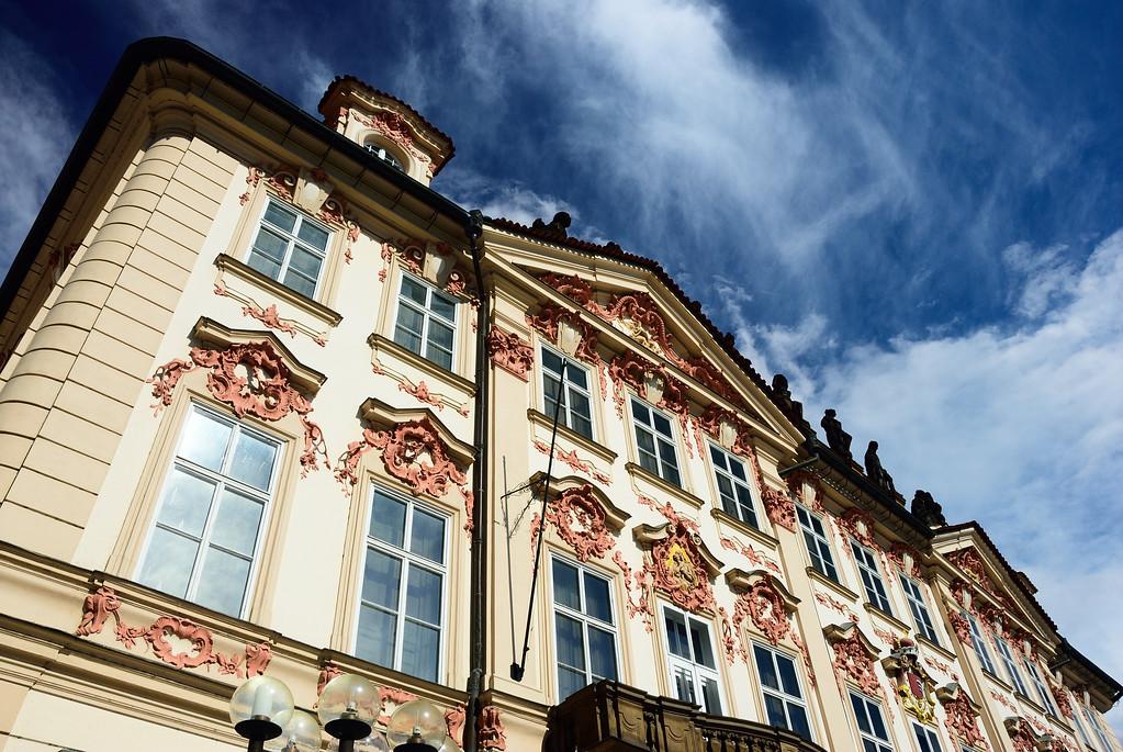 building at old town square (Staroměstské náměstí)