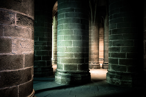 Crypt of the Massive Pillars