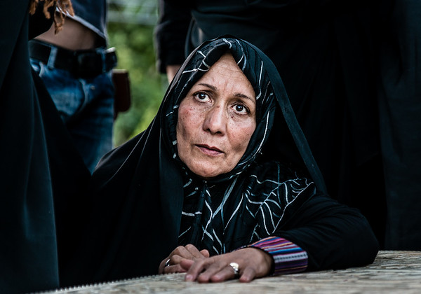Iranian lady at the Tomb of Hāfez