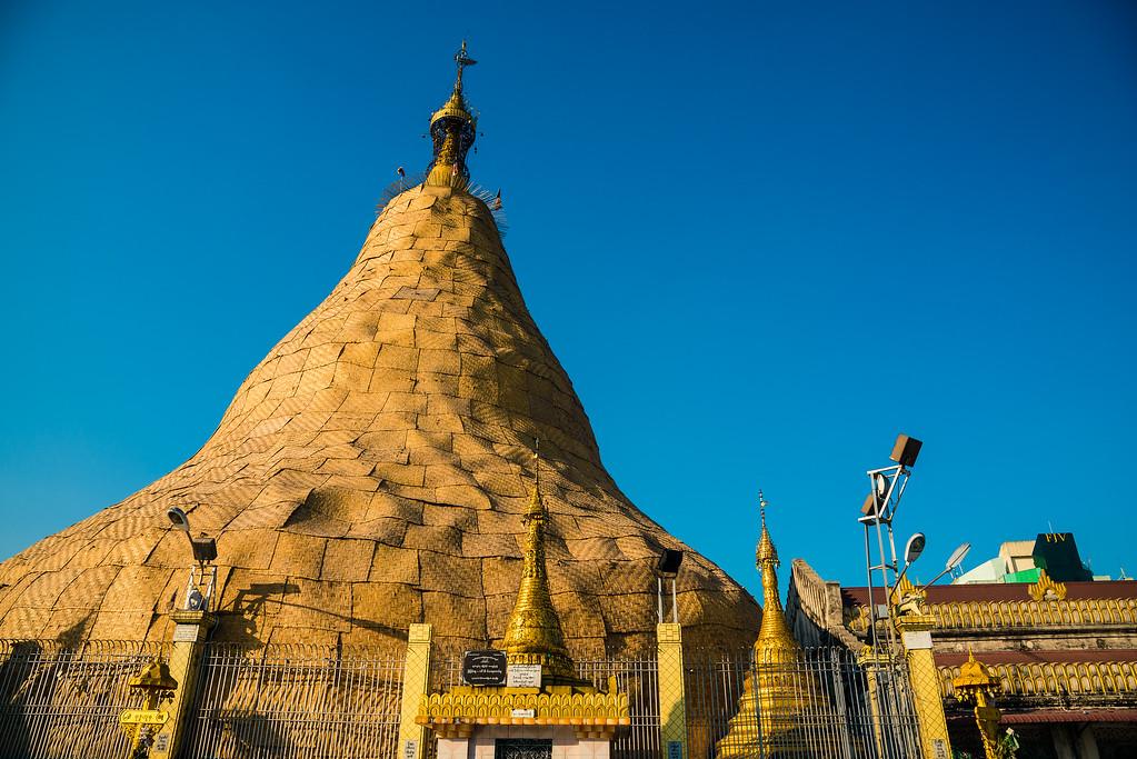 Botataung Pagoda under renovation...