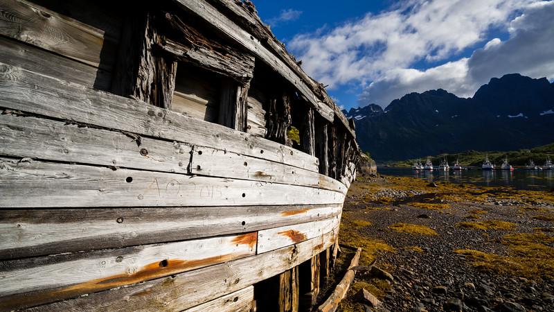 Boatwreck at Sildpolltjønna