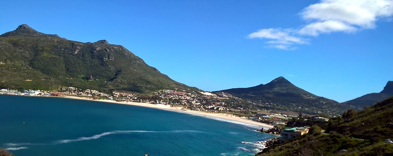 Continuing south on the Cape Peninsula there were many scenic places.