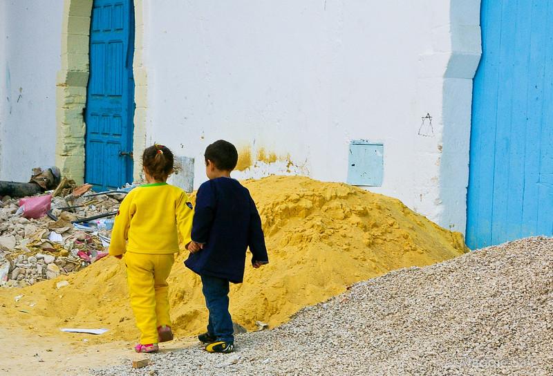Children in the rubble