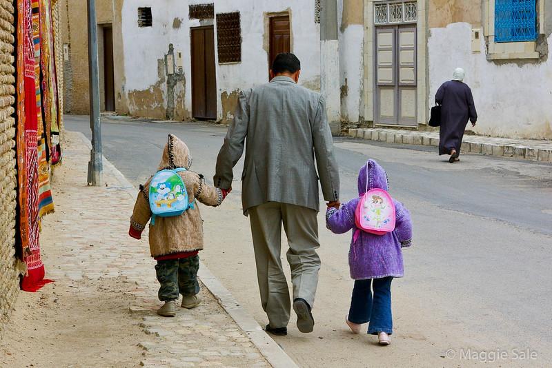 Children going to school in Kairouan