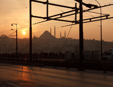 Sunset behind Suleymaniye Mosque, Galata Bridge, Istanbul, Turkey