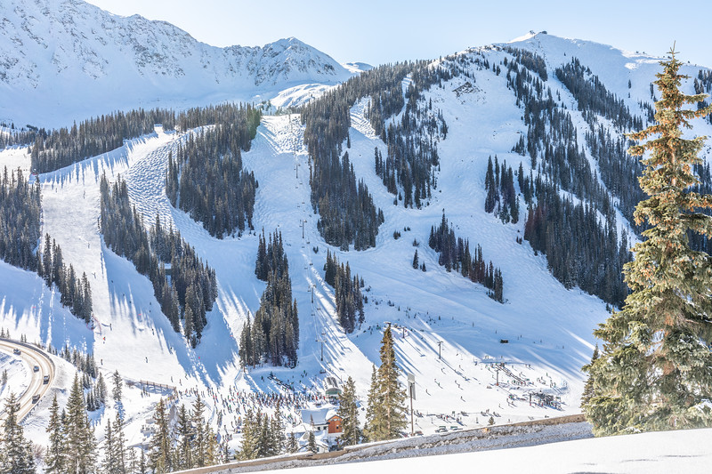 The weather was amazingly good today and Arapahoe Basin was quite busy!