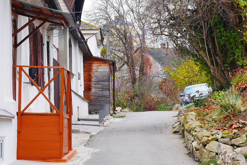 Уголок старого города осенью...
