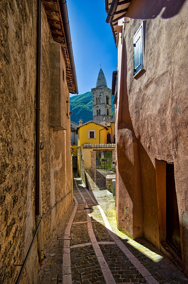 Visso back street view