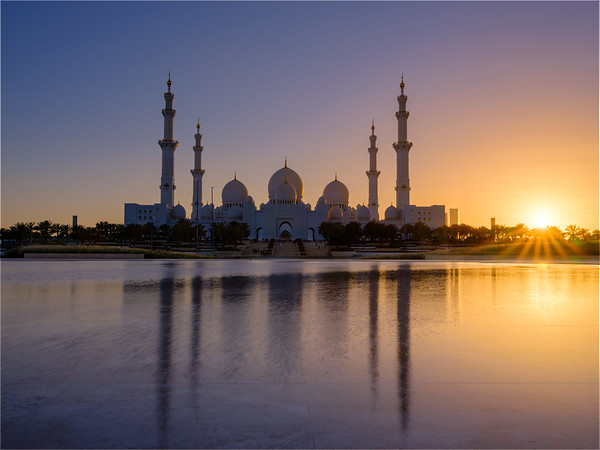 Grand Mosque, Abu Dhabi during sunset