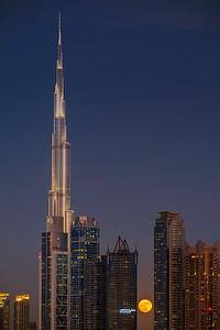 Supermoon rise over Dubai