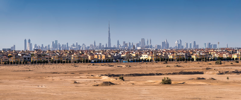 The desert is loosing from the city - Dubai