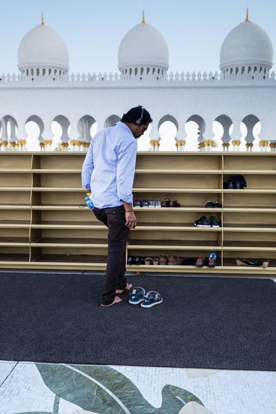 Praying time, Grand Mosque Abu Dhabi