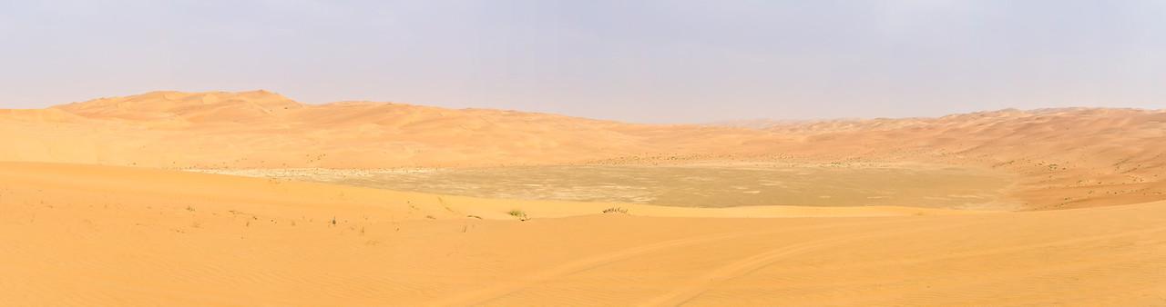 Gravel plain with surrounding dunes