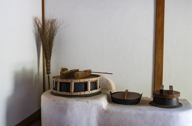 Old Japanese kitchen utensils