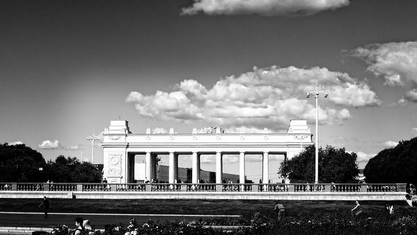Archway to Gorky Park (monochrome version)