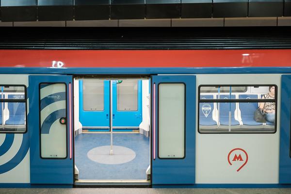JMUE7935