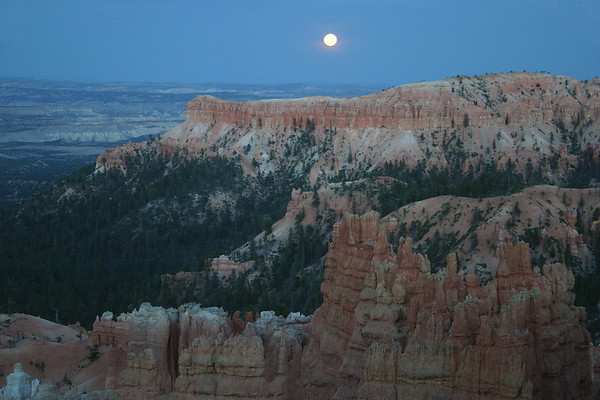 "Full Moon over the limestone promontory, extending northeast from Bryce Point - part of the ""Pink Cliffs"", along the Paunsaugunt Plateau - Bryce Canyon National Park"